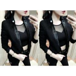 Áo khoác nữ màu đen phối cổ phi đính nút - AV2877