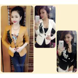 Áo khoác vest nữ 1 nút túi nắp viền màu hoa ren - AV2646